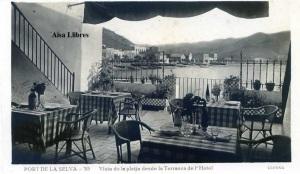Port de la Selva 10 Vista de la platja desde la Terrassa de l'Hotel ed. Llensa Guillera Barcelona amb ventanilla anys 20?  18 €