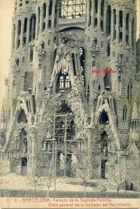 Barcelona 8 Templo de la Sagrada Familia Vista General de la fachada del nacimiento Ed Herederos Vda. Pla Barcelona s/f  Principios siglo XX. 18 €