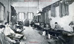 Barcelona Casa Provincial de Caridad Alpargatería Ed. Impr. Casa de  Caridad s/d principis segle XX 25 €