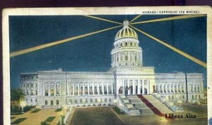 Habana Capitolio de Noche  Republica de Cuba nº 82 C Jordi Obispo 106 Havana Cuba Made in USA   s/d  años 20 o 30 dibujada color con ventanilla algo manchada 5 €