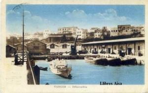 Tanger débarcadère escrita al dorso y fechada el 29 de febrero 1944 sello Marruecos 20 cts photo Albert 5 Rue Rochambeau Alger. Con ventanilla color cantos algo rodados 15 €