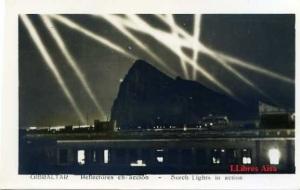 Gibraltar  Reflectores en acción  Surch ligths in action ed. S/f años 40?  Con ventanilla. 10 €