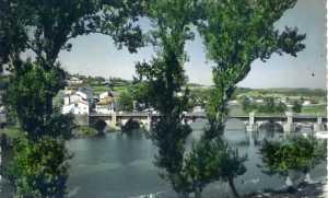 Lugo nº 30 Paisaje sobre el río Miño Ediciones Lujo Zaragoza s/f escrita al dorso fotográfica color años 50?  5 €