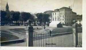 Ribadeo? Lugo Ed. Estudio fotográfico GRAN Via 10 Bilbao San Roque 51 Ribadeo s/f  fotográfica años 50? 20 €