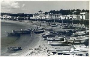 Palafrugell (Costa Brava) Playa de Llafranch Ed. Selecciones Fotográficas Agustí Palafrugell s/ años 50 con ventanilla fotográfica 12 €