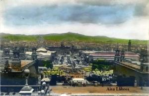 Barcelona Vista de la exposición fotográfica coloreada s/f (años 50?) tiene una pequeña mancha al dorso.6 €