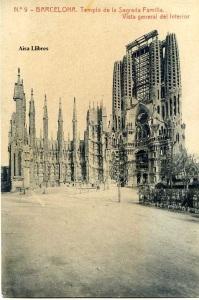 Barcelona n 9 Templo de la Sagrada Familia Vista general del interior Herederos vda. Plá Barcelona  J Thomas s/f principios siglo XX unb poco rasgada por el dorso.  12 €