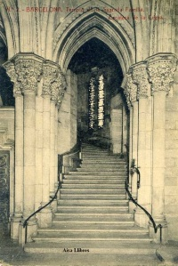 Barcelona nº 2 Templo de la Sagrada Familia  Escalera de la Cripta. Herederos Vda. Plá Barcelona  J Thomas s/f Principios siglo XX 15 €