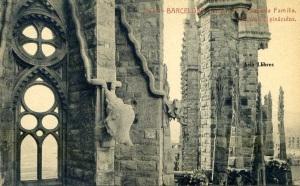 Barcelona nº 11 Templo de la Sagrada familia Gárgolas y pináculos Herederos Vda. Plá Barcelona  J Thomas s/f Principios siglo XX 15 €