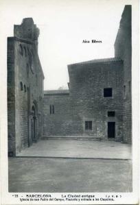 Barcelona nº73 La Ciudad antigua (JVB) Iglesia de San Pablo del Campo Plazuela y entrada a los Claustros. Editada a principis de segle XX 12 €