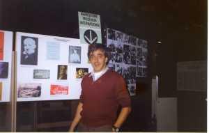 Manel Aisa a  l'exposició Anarquisme Internacional 1993 Cotxeres de Sans
