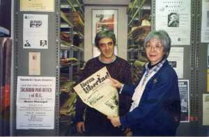 Manel Aisa i Misato Toda Anarquista Japonesa de visita  a Barcelona, Misato és especialista en  Enricco Malatesta Barcelona 2002