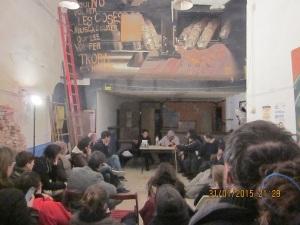 Presentació del Llibre de La Huelga de Alquileres y el Comité de Defensa Económica Barcelona 1931 signant un llibre per l'amic Pera Canvies Sans