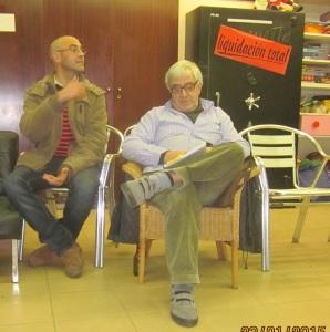 a l'atenu del carrer Industria en la presentació del Llibre de La Huelga de alquileres y el comité de defensa económica Manel Aisa i Andreu Aisa